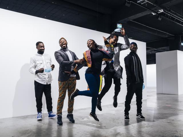 Les artistes du Collectif Exit Frame (Ghana), commissaires associés